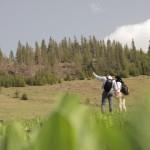 Turiști pe traseu montan